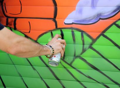 schnelle Graffitientfernung Wien 1220
