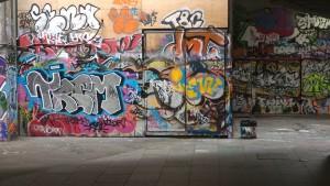 Jak ochránit omítku před sprejerama a jejich graffiti?