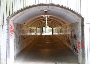 GRAFFITI V TUNELU