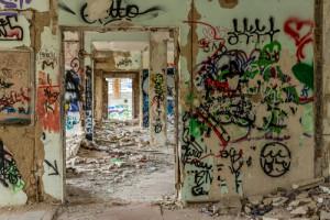graffiti v rozbořených domech