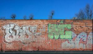 graffiti na kraji ulice